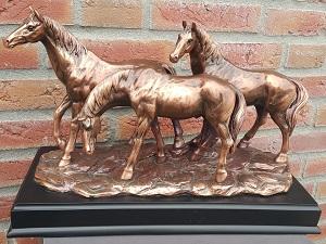 Urn paarden   € 198,50