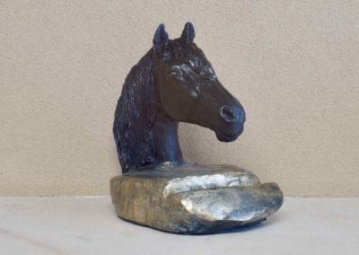 1538-Paardenhoofd op voet.